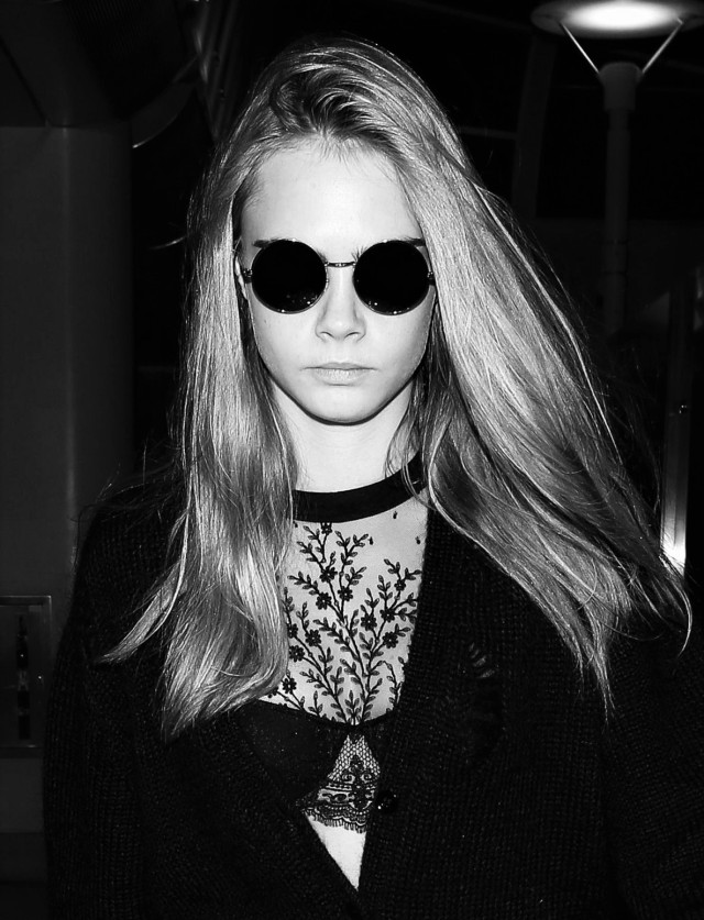 cara-delevingne-at-lax-airport-march-2016-1